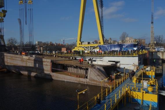 Wodowanie megajachtu w Stoczni Szczecińskiej