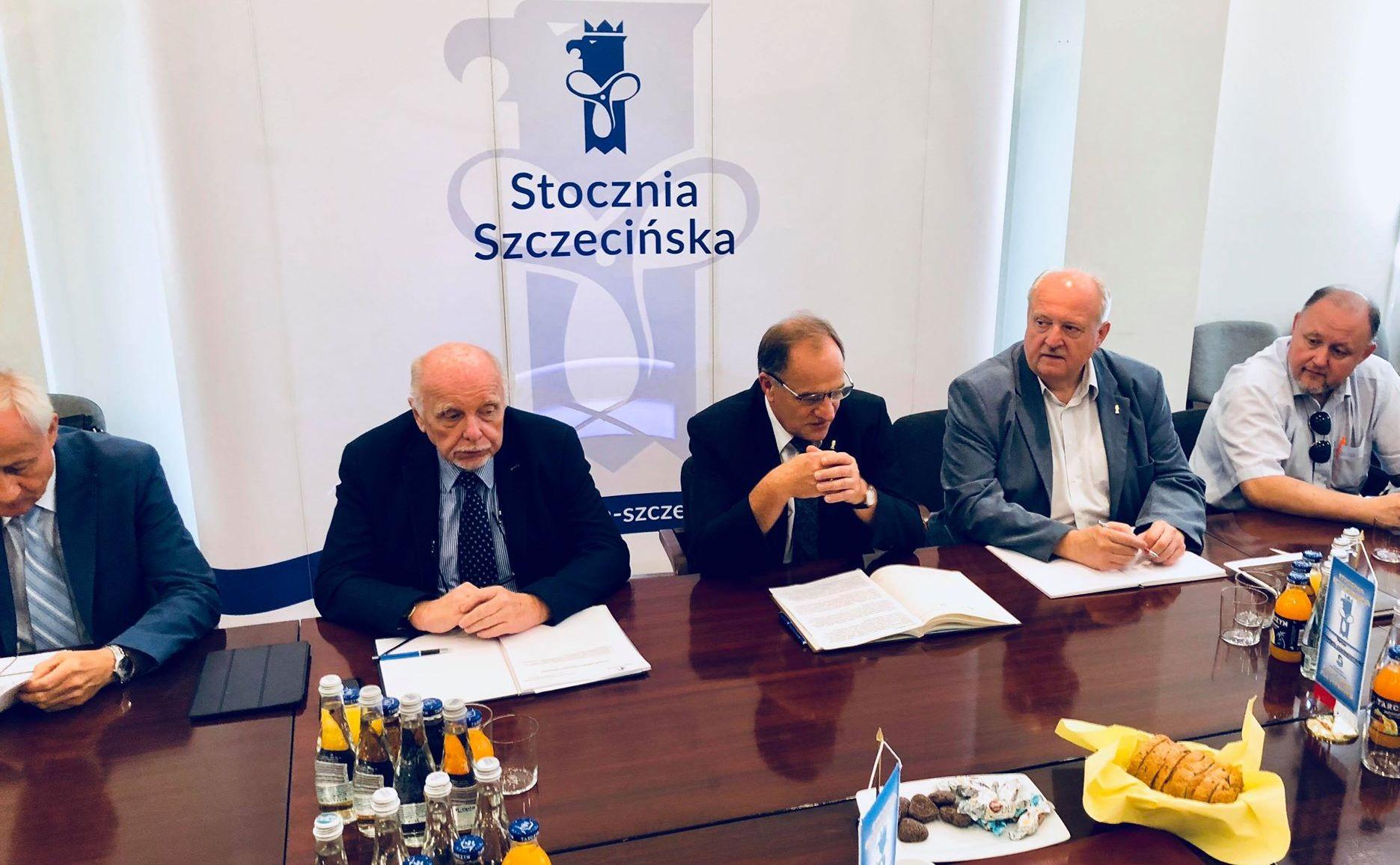 """""""Okrętowcy"""" wspierają  Stocznię Szczecińską i piszą do ministerstwa"""